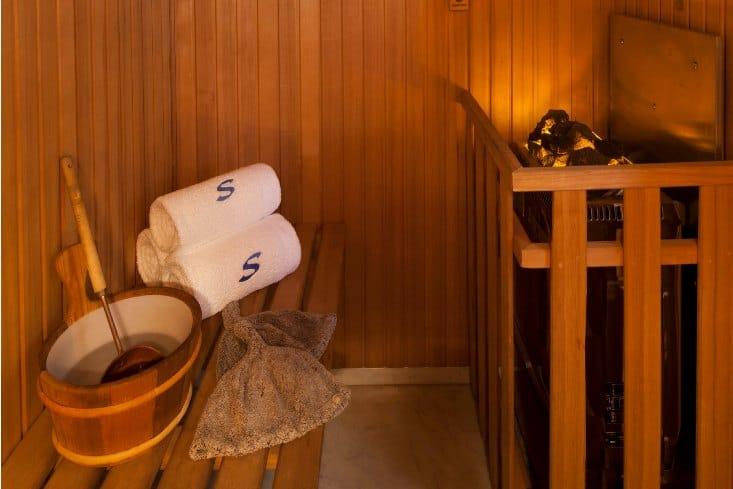 MY-Starfire-Sun-Deck-Sauna1